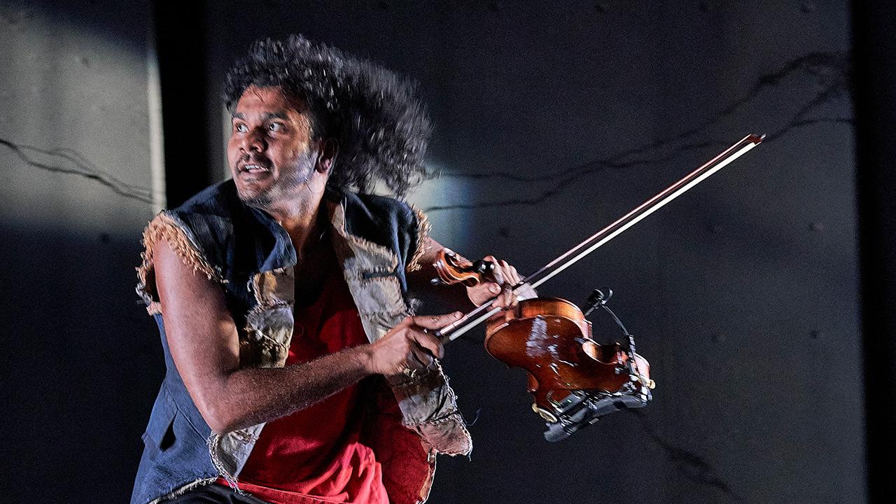 BURRBGAJA YALIRRA / DANCING FORWARDS - Carriageworks