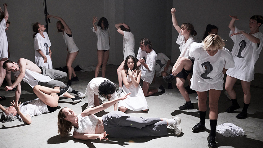 Jo Lloyd, Carriageworks, Contemporary Dance